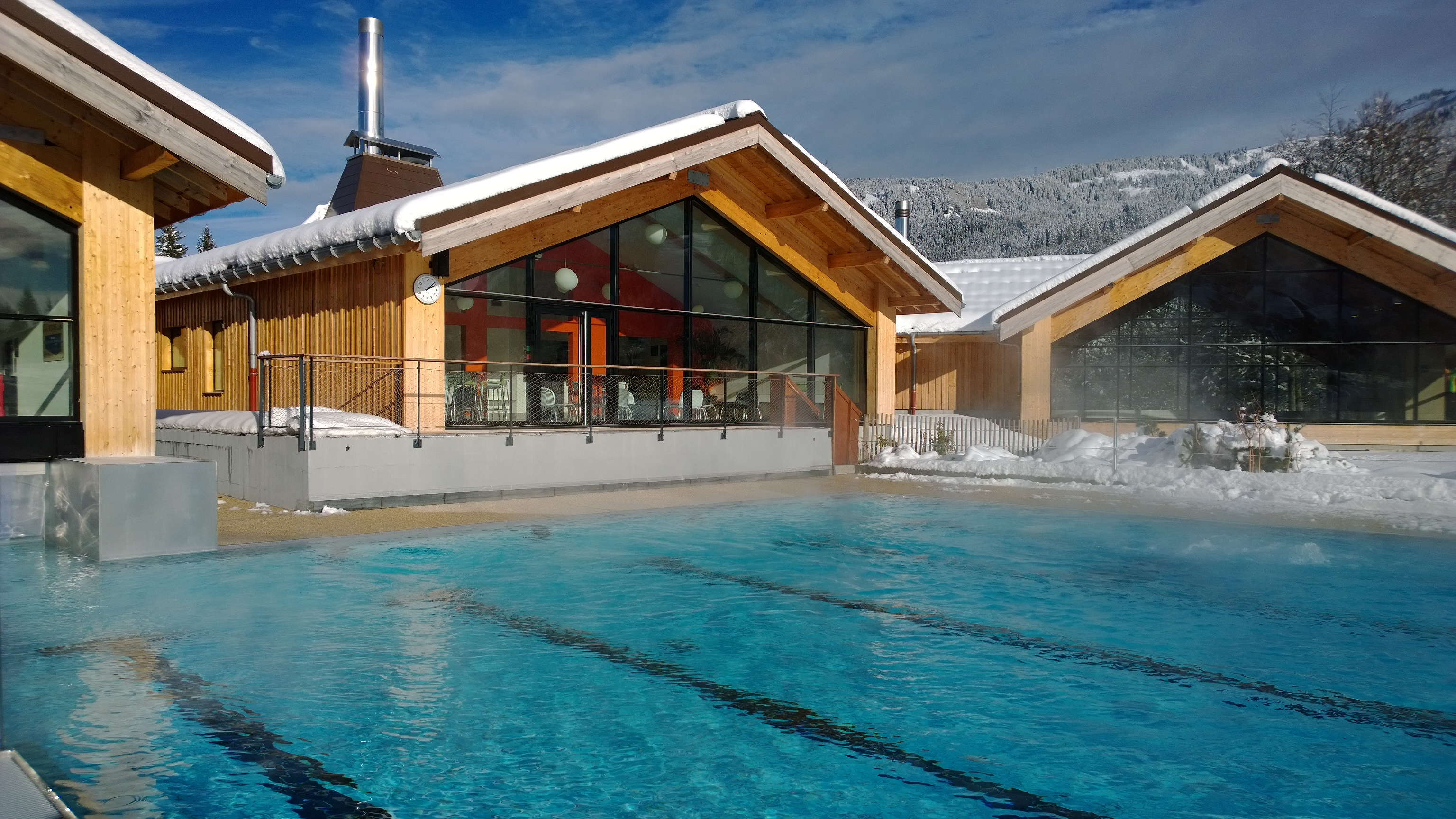 Aquacime centre: swimming pool and spa in Les Carroz-d\'Arâches ...