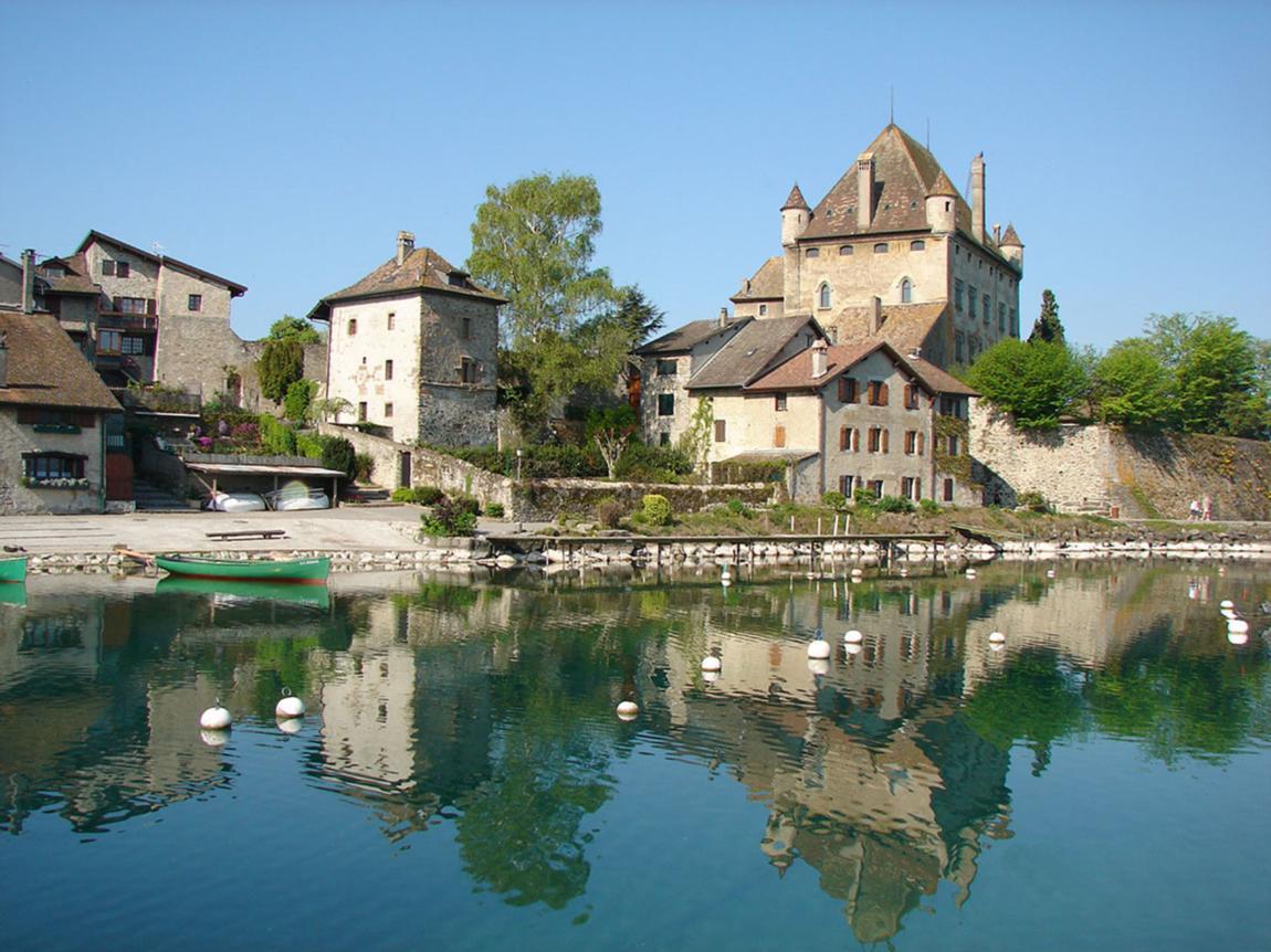 D tente au fil de l 39 eau savoie mont blanc savoie et haute savoie alpes - Office de tourisme yvoire ...